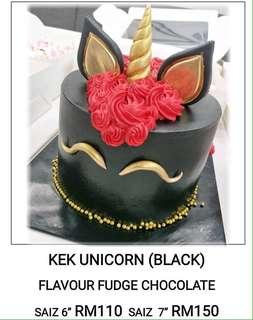 Kek hari jadi Unicorn Sabrina bakery