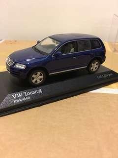 1/43 VW Touareg 2002. Minichamps