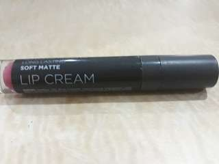 Lipstic matte