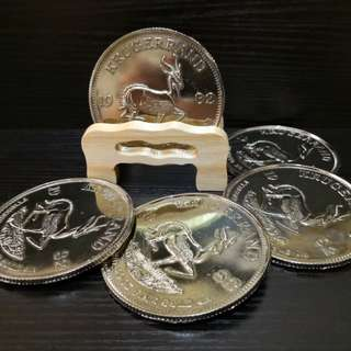 Gold coins coasters
