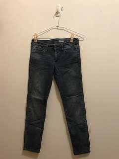 🚚 Unqlo 彈性牛仔褲