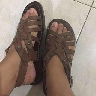 Elizabeth sandal
