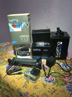 GoPro Hero 4 Silver Set ( Ready for solo traveller)