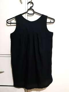Encore black sleeveless top