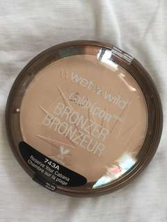 Wet and wild bronzer