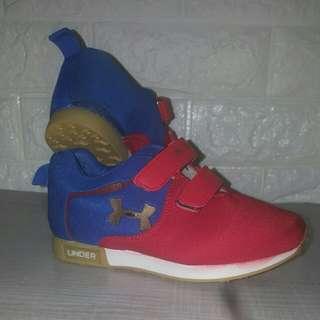 Under Armour kids shoe