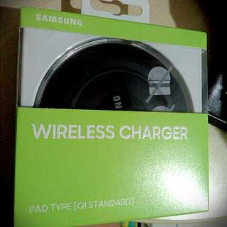 SAMSUMG WIRELESS CHARGER