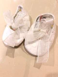 Mothercare newborn girl pram shoes