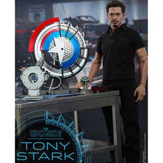 Brand New Hot Toys MMS273 Iron Man 2: Tony Stark with Arc Reactor Creation Accessories