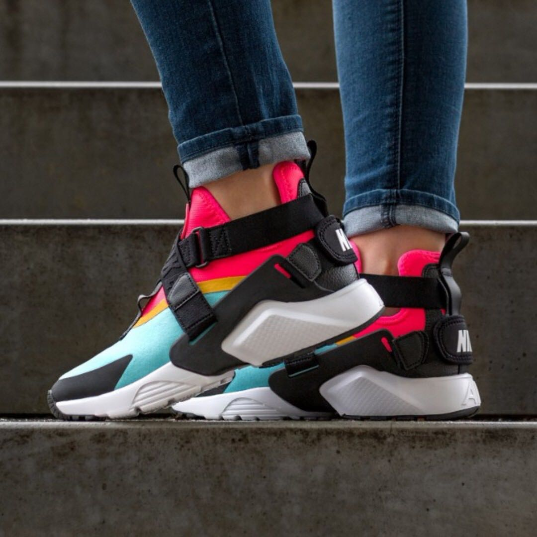 nike air huarache city bleached aqua