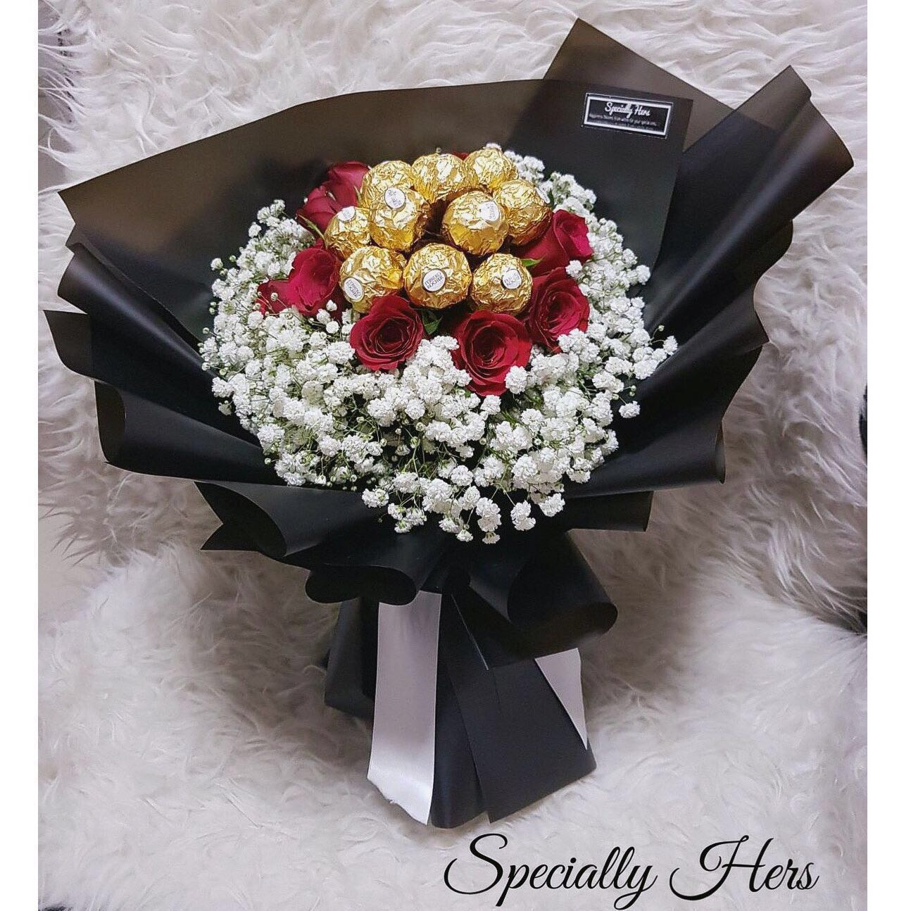 Ferrero Rocher Bouquet, Design & Craft, Handmade Craft on Carousell