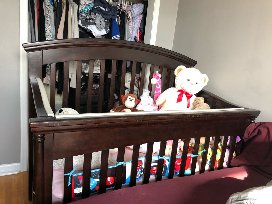 Wooden crib with mattress good condition