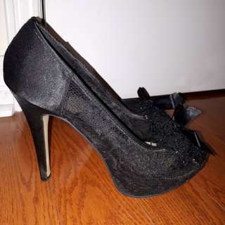 Aldo lace front high heels size 8US