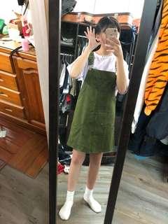 🚚 軍綠吊帶短裙