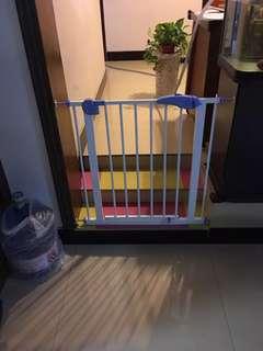BNIB Children Safery Gate / Barrier / Door