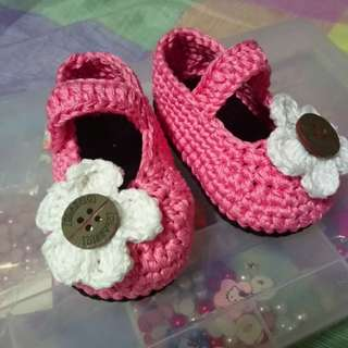 Crochet shoes ( for 0 to 12 mos)