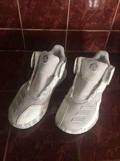 D Rose 773 V mid shoes