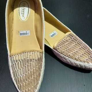 Flatshoes Wesya Cream size 37