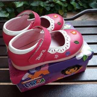 Dora Girl Shoe (4 - 5 years)