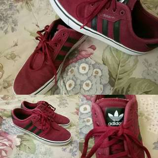 FOR SALE! Adidas Seeley Burgundy For Women/Men