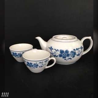 Teacups & Pot (2)