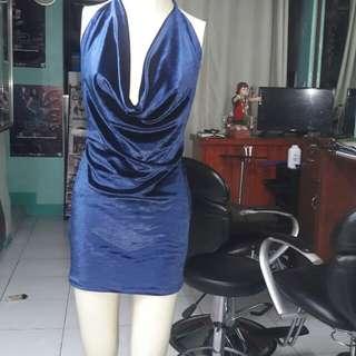 Halter minidress open bck belvet material