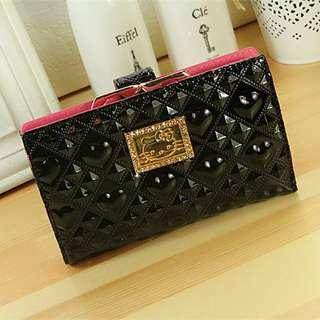 🚚 (全新可PC) 款韓版hello kitty大氣黑色搭扣中款錢包卡通錢包女士錢包