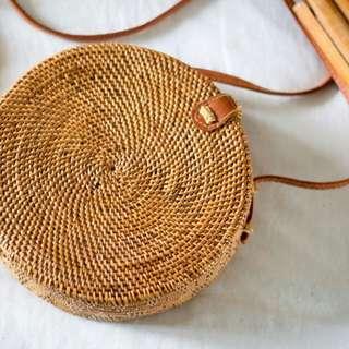 Round rattan bag (Lily caramel crunch)