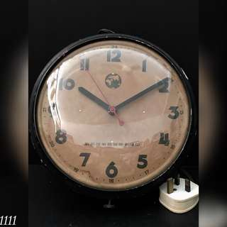 Clock (5)
