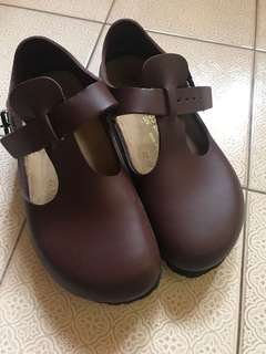 Birkestock 鞋 酒紅色 窄版