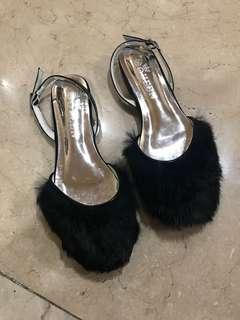 Black fur sandals