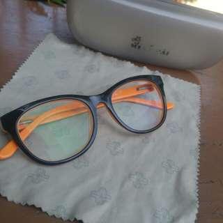 Kacamata OPTIK MELAWAI merk cresendo