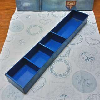 🚚 工業風藍色4格分類鐵盒