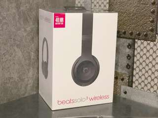 99% new Beats Wireless solo3 Black
