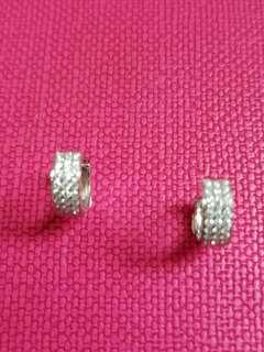 18K750 White Gold Diamond Earrings 18K750 白金南非鑽石耳環  D42~0.40ct