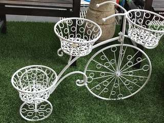 Vintage / Country Beautiful bicycle planter