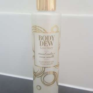 Fragrance body oil