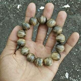 Agarwood bracellet gaharu malinau 16 mm aquilaria malaccensis