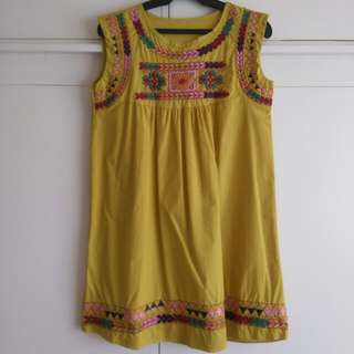 Yellow dress with prints