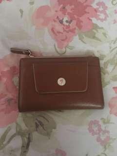 P wallet