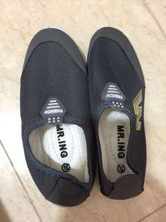 Slip on shoes size 37