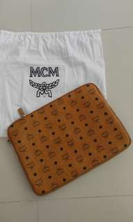 MCM Case