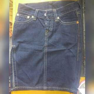 Levi's 953 深藍色牛仔開叉半直身褸扣牛仔裙 獨特氣質簡約時尚型格潮風女裝牛仔裙 fashion blue colour style dress
