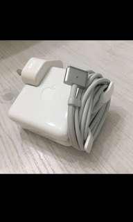 全新 Macbook Air 45w charger充電器 100% Apple正貨