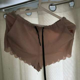 H&M Scallop shorts for 250