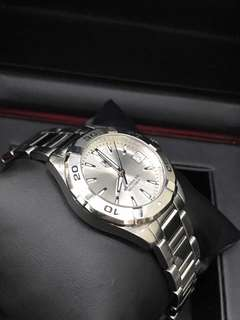 Tag Heuer Aquaracer 32mm case, Quartz movement Silver dial, sapphire crystal ,date display