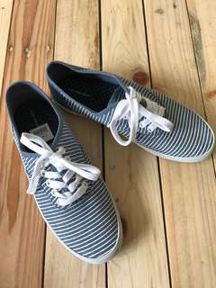 Brand new stripes sneakers