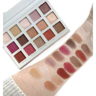 Beauty Creations Eyeshadow Pallete (BACK IN STOCK GAIS) BEST SELLER