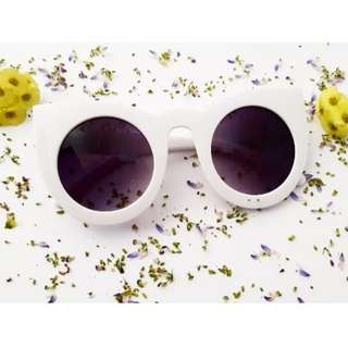 CAT EYES GLASSES Code: AW2