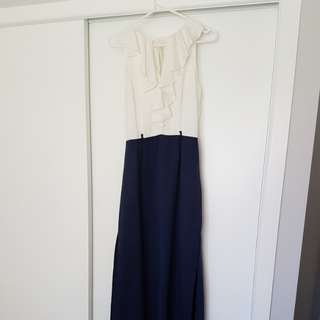 Maxi dress with frill front